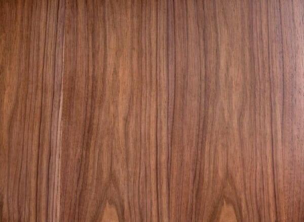 Трапезна маса с дървен плот и метални крака Ману - плот