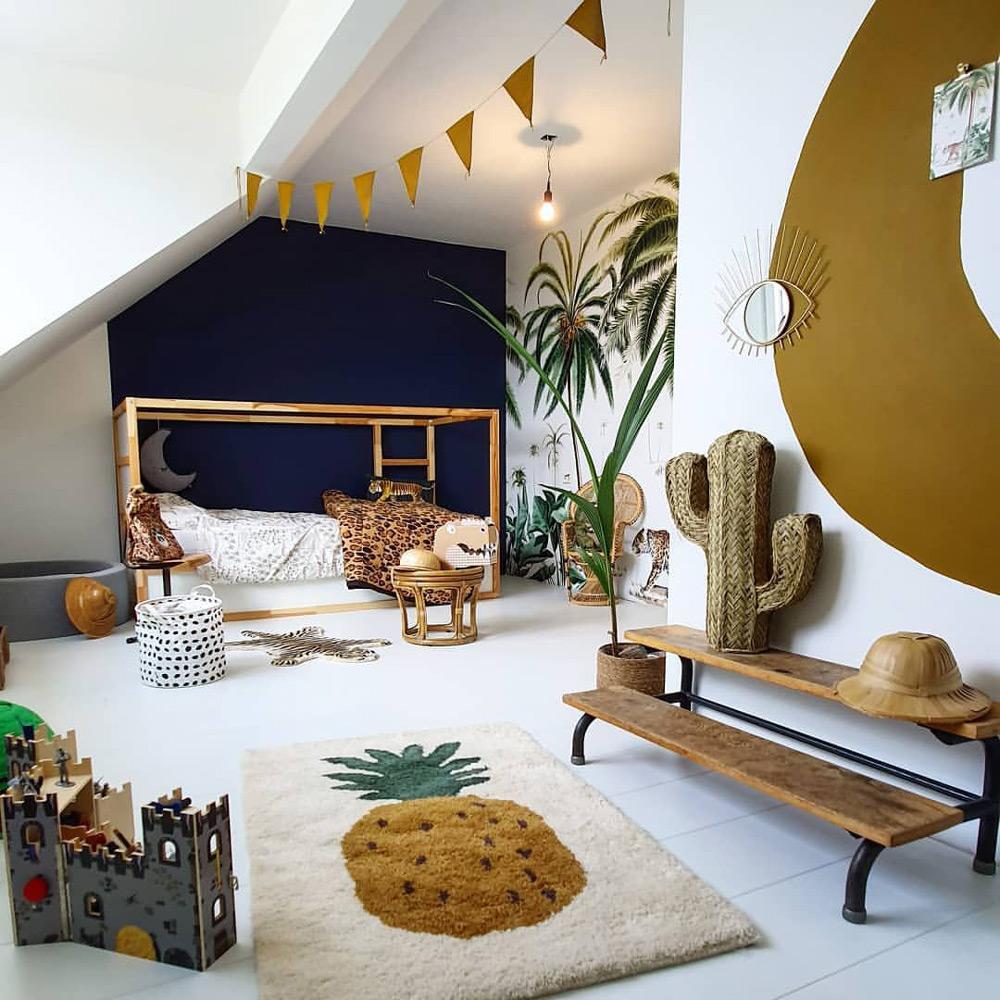 Детска стая като джунгла с животински принтове
