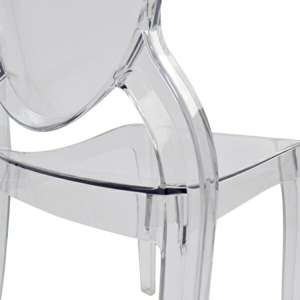 Модерен прозрачен стол - отблизо