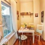 Guest House Sahat Tepe - трапезария в светли тонове в романтичен стил