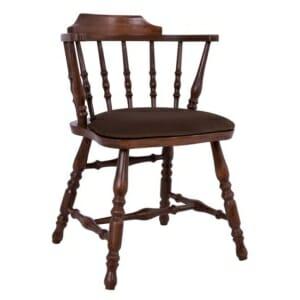 Класически дървен стол с мека въглавница