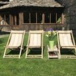 Lavanda Bed and Breakfast - шезлонги в градината