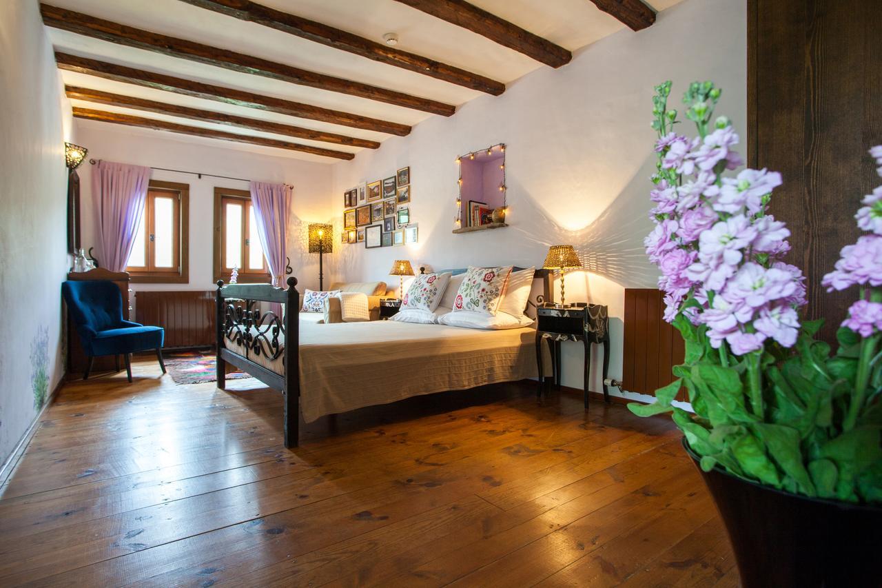 Lavanda Bed and Breakfast - спалня