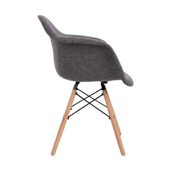 Модерно кресло с букови крака и подлакътници в сиво странично