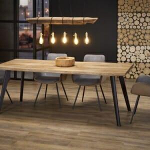Разтегателна трапезна маса с дървен плот с неправилна форма