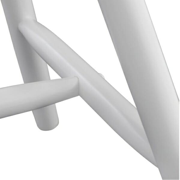 Трапезен дървен стол в бяло-детайли крака