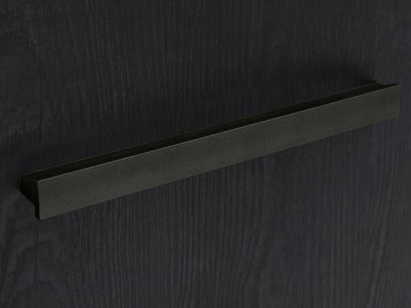 Модулна система Балин - черен дъб с манастирски дъб - детайл дръжка