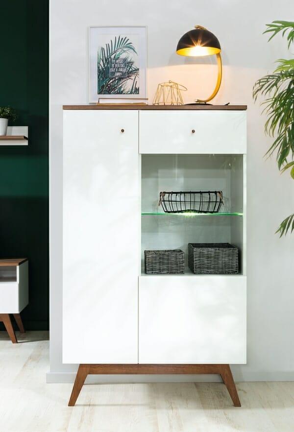 Нисък шкаф с вратичка и рафт от стъкло Хеда - декор