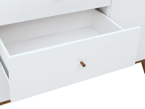 Шкаф с 3 чекмеджета и 2 вратички Хеда - детайл чекмедже