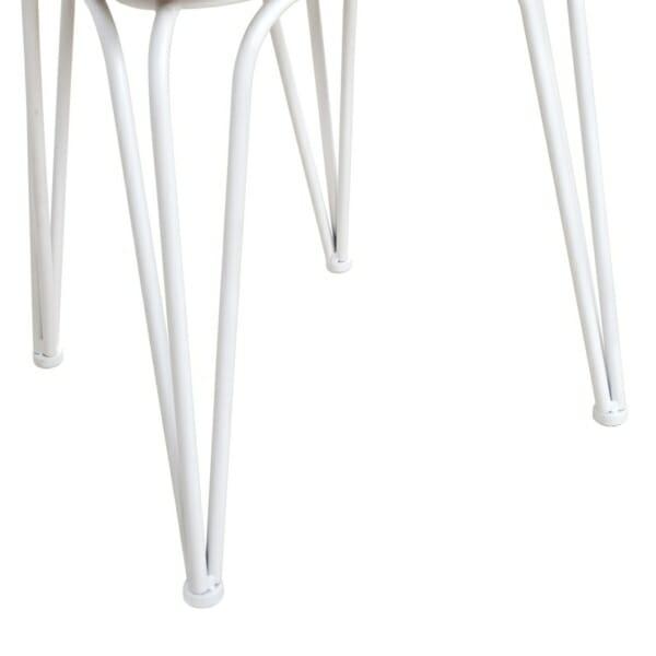 Трапезен стол от метал и дърво в индустриален стил в бяло детайли крака