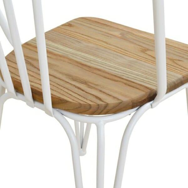 Трапезен стол от метал и дърво в индустриален стил в бяло детайли седалка