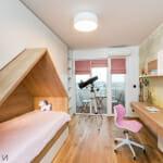 Детска стая с легло къщичка