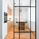 Стъклени врати към кухнята