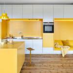 Креативна кухня в жълто и бяло - Lookofsky Architecture - Mattias Hamrén
