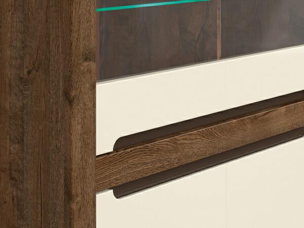 Шкаф витрина с 4 вратички и LED осветление Русо - детайл