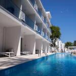 Парадайс Блу Хотел & СПА - апартаменти с директен достъп до басейн