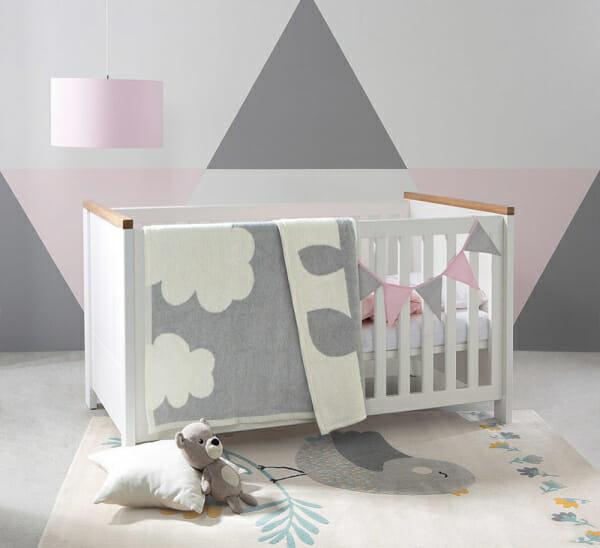 Бебешка кошара в бяло и дървесен цвят Древизо - декор