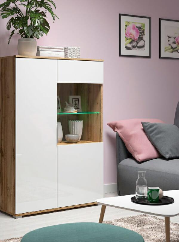Шкаф в бял гланц със стъклена витрина Зелле - декор