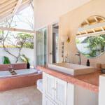 Луксозна баня на открито