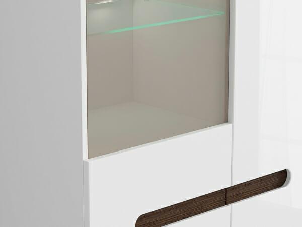 Голям шкаф витрина с осветление Ацтека - бяло с бял гланц - детайл