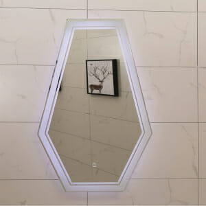 LED огледало с нестандартна форма