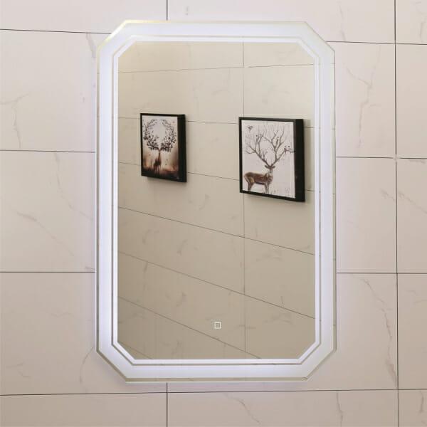 LED огледало за баня с класическа визия