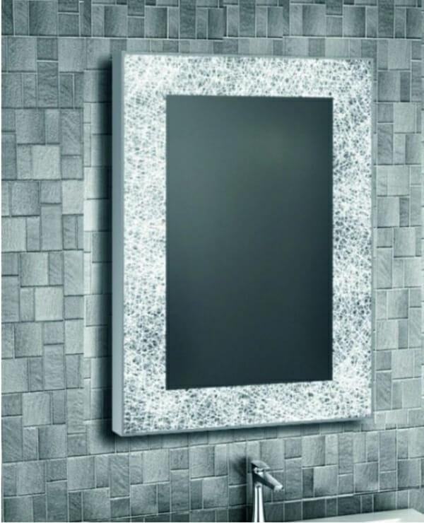 LED огледало за баня с атрактивна рамка-пример баня