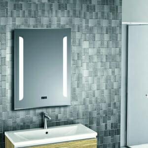 Модерно огледало за баня с LED осветление
