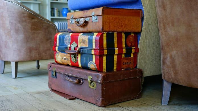 10 идеи за декорация със стари куфари