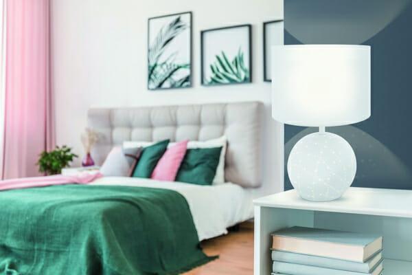 Настолна лампа със светеща основа Eglo серия Montalbano - интериор