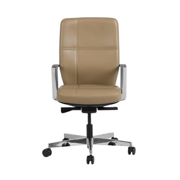 Работен офис стол от естествена кожа в бежов цвят - отпред