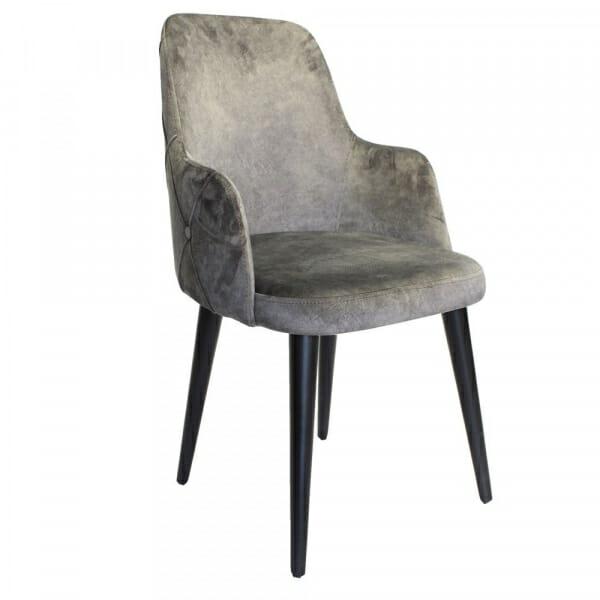 Трапезен стол с дървени крака и капитониран гръб