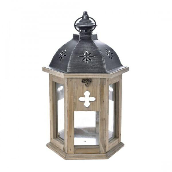 Дървен фенер с оригинална декорация