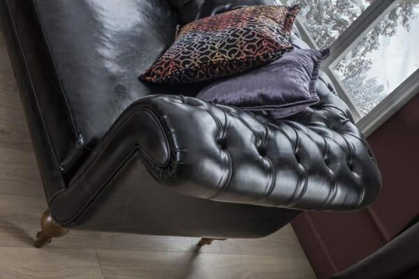 Кожен диван в черен цвят Helen-детайли