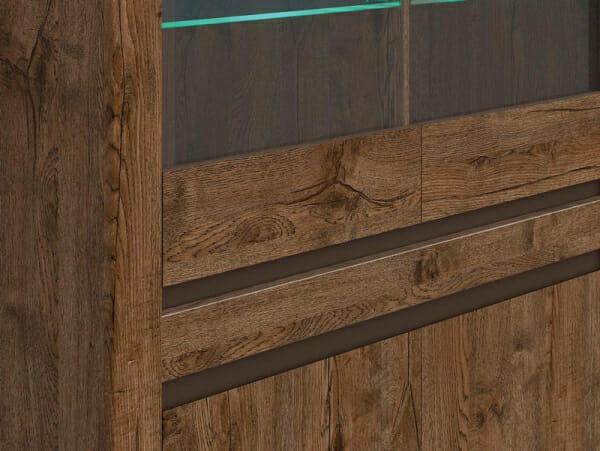 Шкаф витрина с осветление в дървесен цвят Када - детайл