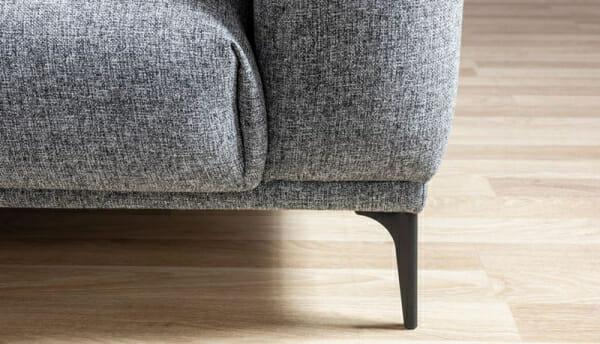Двуместен диван с дамаска в сиво и метални крачета Sofi-детайли, крачета