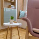 Кресло с малка масичка