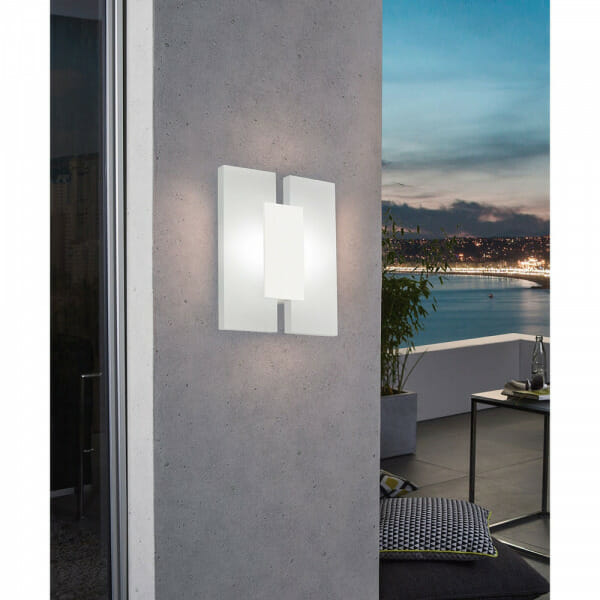 Елегантен LED аплик от 3 части Metrass 2 в бял цвят - интериор